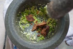 cara masak sos kacang gado gado indonesia cili bawang putih gula melaka