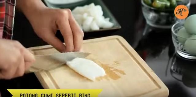 resepi sotong goreng tepung telur masin 08